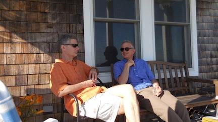 2 guys chatting